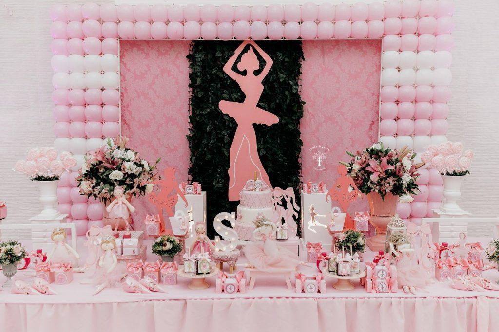 Peachy Tema Minnie Mouse Arrelia Rock Ii Buffet Infantil Em Campinas Beutiful Home Inspiration Semekurdistantinfo